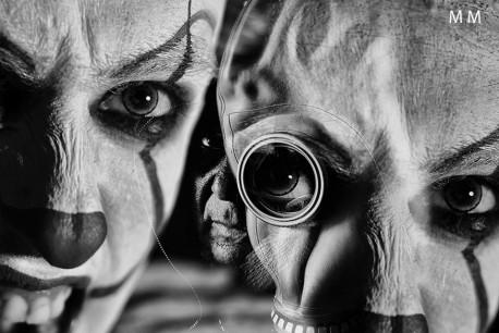 Covid19 în artă: Marco Mandolini şi autoportretul din spatele măştii