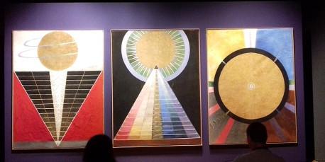 Inventarea picturii moderne abstracte aparţine de fapt unei femei, suedeza Hilma af Klint